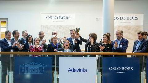 I sommer uttalte Adevintas toppsjef Rolv Erik Ryssdal: «Med oppkjøpet av Ebay Classifieds Group blir Adevinta det største rubrikkselskapet på nett i hele verden». Her markerer Ryssdal at Adevinta noteres på Oslo Børs.