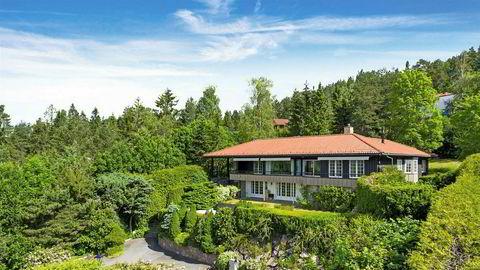 Egil Stenshagen selger villaen i Nils Collett Vogts vei i Holmenkollen.