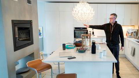 Jon Nybakke og hans samboer skal selge boligen på Rykkinn og flytte til Nøtterøy.
