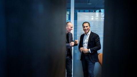 Daglig leder Rune Røsten i Schibsted Growth Norge til venstre er klar til å ta opp kampen i boligalarm-markedet sammen med gründer Nadir Nalbant (til høyre) i Homely.
