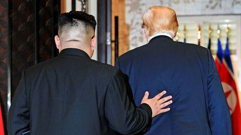 Ikke bare kan vi regne med at Kim Jong-un bryter avtalen, men det er sannsynlig at også Donald Trump gjør det. Kim var «liten og fet», men er nå bestevenn. Trump er fullstendig ustabil i sine politiske relasjoner.
