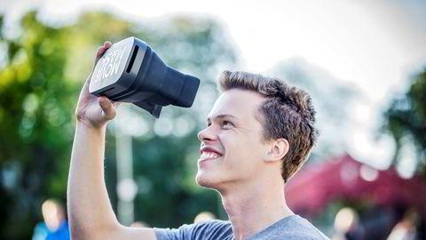 Moviemask-gründer Eirik Wahlstrøm solgte over 1500 filmmasker på tre timer etter å ha holdt presentasjon til 7000 DNB-ansatte søndag.
