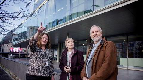 Rune Frøyland og Marit Hermansen fra Akademikerne Helse møtte Spekters nyansatte Sylvia Brustad (til venstre) for å klargjøre styringen av sykehusene til konflikten er løst.