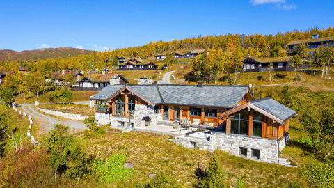 – Dette er en flott hytte av sjeldne hvor det er lagt stor vekt på kvalitet i hele hytta, sier eiendomsmegler Marit Wangensten.