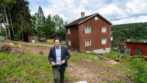 På denne tomten på Toppåsen på Søndre Nordstrand i Oslo skal Ole Saxegaard Andreassen i Norwegian Ground lede utbyggingen av fem rekkehus – hvis de blir solgt.