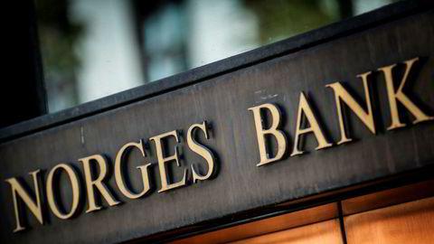 Kort tid etter å ha satt renten i null, snudde Norges Bank om og varslet rentehevinger allerede i 2022, skriver Ole A. Kjennerud.