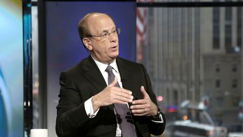 Sjef for verdens største fondsforvalter, Larry Fink, mener at det kreves av børsnoterte og unoterte selskaper at de «serves a social purpose».