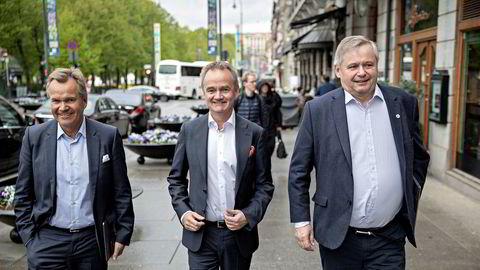 Finansdirektør Kjell Fordal i Sparebank 1 (til høyre) selger seg ut av eiendomsmeglingssatsingen BN Bolig. Her sammen med Sparebank 1-sjef Jan-Frode Janson (midten) og tidligere konsernsjef Finn Haugan.