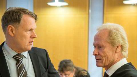 Hjernekirurg Per Kristian Eide (til venstre) og hans tidligere advokat Per Danielsen i Oslo tingrett i en tidligere rettsrunde i saken. Nå forbereder Eide anke til Høyesterett med Carl Bore som ny prosessfullmektig.