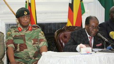 Robert Mugabe sa han nekter å gå av da han holdt sin tale på direktesendt tv søndag. Eksperter tror ikke militærer vil tillate at han fortsetter.