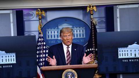 New York Times publiserte en omfattende artikkel som gir detaljert innsyn og informasjon om president Donald Trump økonomi og forretningsinteresser søndag kveld. – Dette er falske nyheter og oppspinn sier Trump.
