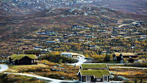 Salg av hytter og tomter i friluftsområder burde pålegges en ekstraordinær nasjonal skattesats. Her fra Høgevarde hytteområde i Flå i Buskerud.