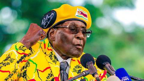 Zimbabwes president Robert Mugabe er avsatt som partileder.