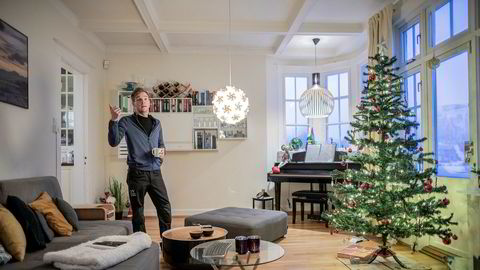 Joachim Marthinsen Giæver leier ut huset sitt på Airbnb til 10.000 kroner per døgn. Nå har han startet egen bedrift som leier ut 20 boliger i Tromsø via Airbnb.