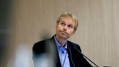 SSB-forsker Roger Hammersland har tre arbeidshypoteser som mulig kan forklare svingningene i kronen den siste tiden.