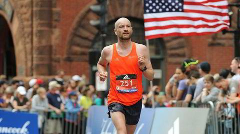 Rødsprengt. Og på en rosa sky. Jann Post ble første nordmann i mål i New York Maraton i 2017. Her fra Boston maraton samme år, der han også ble beste nordmann.