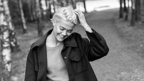 Psyk interesse. Under den første nedstengningen i 2020 opprettet psykolog Maria Abrahamsen Østhassel kontoen @psyktdeg på Instagram, Tiktok og Facebook. Der gir hun unge følgere tips og råd om hvordan man best kan ivareta egen psykisk helse.
