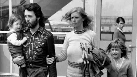 Hey Jodi. Paul McCartney med familie, LGW, 1971. Bildet av McCartney ga Jodi Peckman en ny interesse. – Jeg gjør det ennå, hvis jeg kjeder meg. Jeg klikker meg inn på et nyhetsbyrå og ser på bilder av folk på flyplasser.