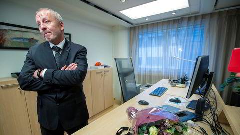 Fiskeriminister Geir Inge Sivertsen (H) går av etter massiv kritikk. Her ved tiltredelsen.