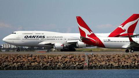 Et Dreamliner-fly fra australske Qantas har satt ny rekord etter å ha fløyet direkte fra New York til Sydney uten mellomlanding. Turen tok 19 timer og 16 minutter.