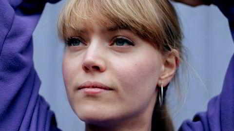 Emilie Lidsheim har spilt fiolin med alt fra Det Norske Kammerorkester til A-ha, og satser på norskspråklig visepop som soloartist.