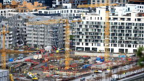 Det bygges nye leiligheter i Bjørvika i Oslo sentrum. Det vil neppe stagge boligprisveksten.
