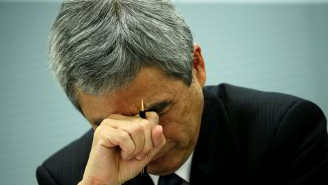 Direktør Kazumasa Hori hos Mitsubishi Shindoh gråt foran kameraene på fredag og beklaget den siste næringslivsskandalen i Japan.