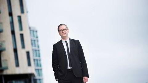Seniorøkonom Marius Gonsholt Hov i Handelsbanken venter en moderat prisutvikling fremover.
