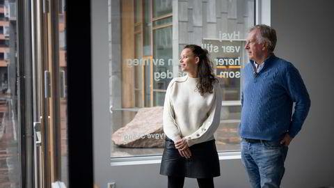 Carl Erik Krefting (fra høyre) med datteren Caroline, som også sitter i Carucel-styret og er investerings- og utviklingsdirektør i Carucel Eiendom.