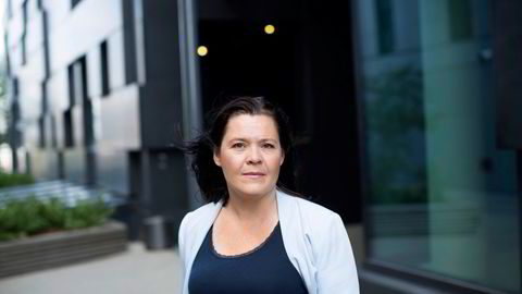 Sjeføkonom Elisabeth Holvik i Sparebank 1 mener amerikanere har sterke incentiver til å starte opp bedrifter og å få seg jobb som følge av mangelen på sosiale velferdsordninger.