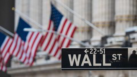 Wall Street-skiltet ved New York Stock Exchange (NYSE).