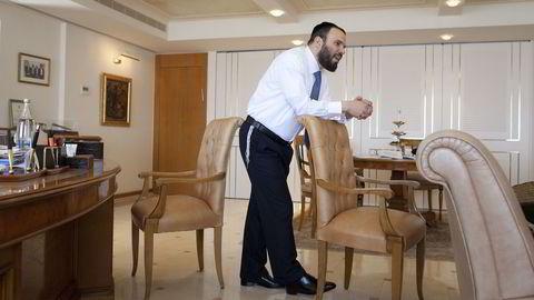 Myndighetene i USA trekker lisensen til Dan Gertler. Her er han på den israelske diamantbørsen i 2012.