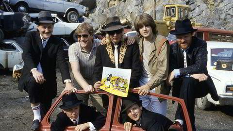 Sommeren 1984 debuterte Vazelina Bilopphøggers som tegneseriefigurer: Eldar Vågan (f.v.), Jan Einar Johnsen, Dag E. Kolstad, Arnulf Paulsen, Rune Endal, Tommy Sydsæter og Viggo Sandvik.