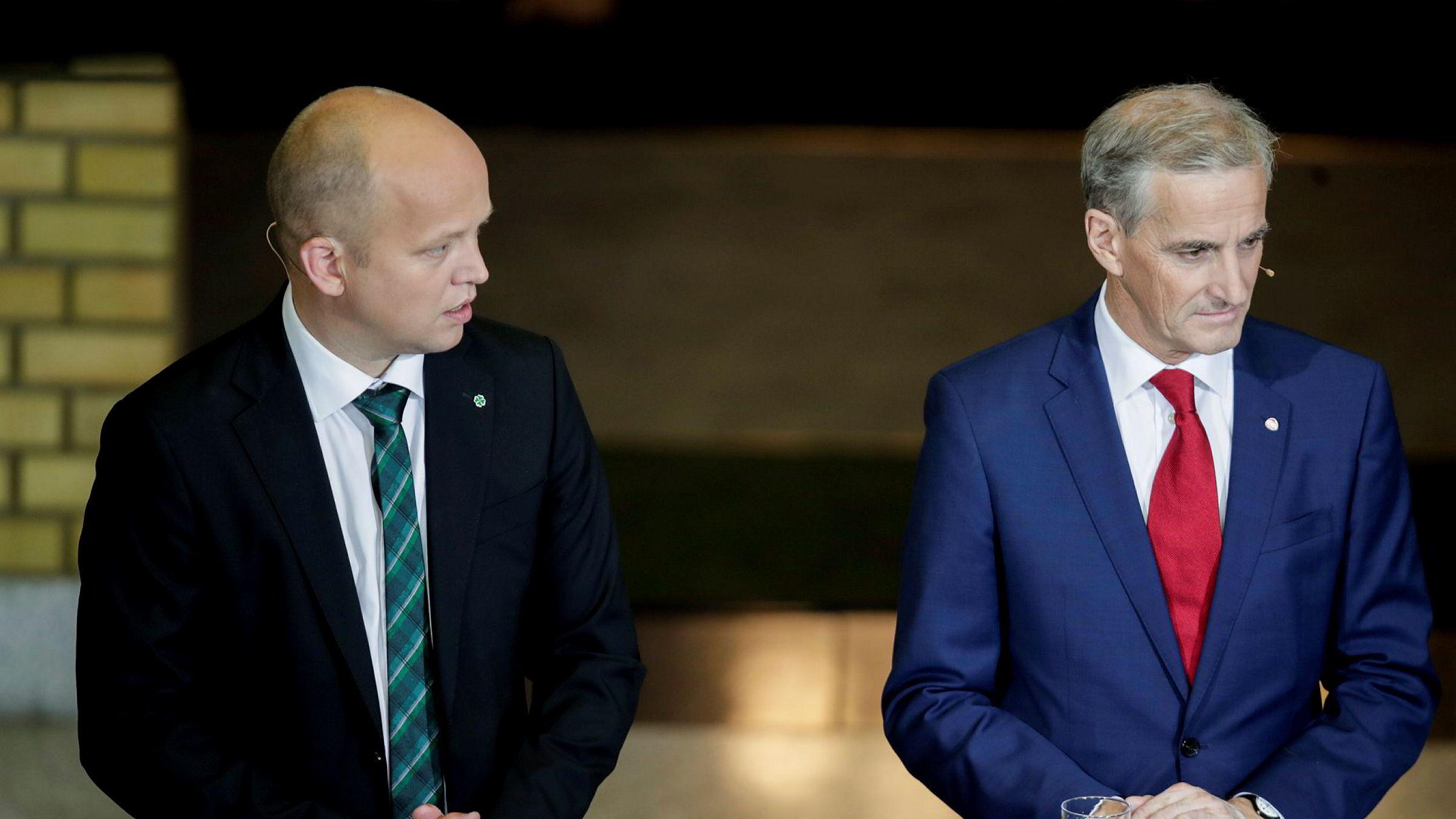 Trygve Slagsvold Vedum leder i Sp og Jonas Gahr Støre leder i Ap på stortinget under partilederdebatten.