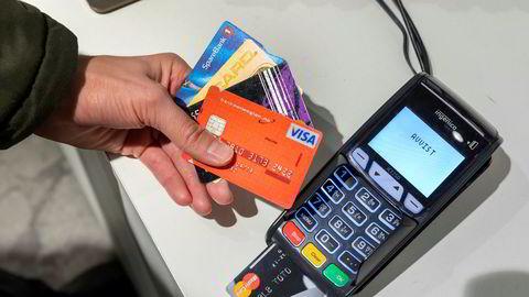 En mann mener banken må holdes ansvarlig for et beløp på over 70.000 kroner som ble trukket fra hans kort etter å ha vært på strippeklubb i London.