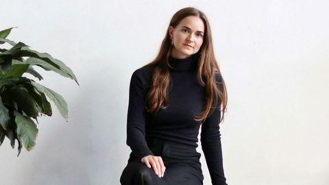 Gjenbruk. Designer Sunniva Flesland vil ikke bidra til flere klær på kloden. I stedet vil hun gjøre fargerik stopping og lapping av plagg til et tegn på eksklusivitet.