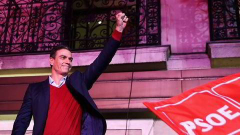 Statsminister Pedro Sanchez' parti PSOE blir størst, men får ikke flertall.