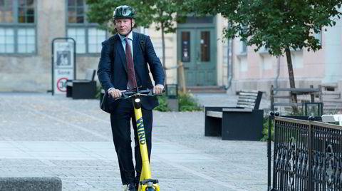 Nicolai Tangen, «en beskjeden gutt fra Sørlandet», på vei til sin første dag på jobb som sjef for Oljefondet i Norges Bank.