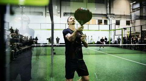 Flere baller i lufta. I sin fotballkarrieres høst har Zlatan Ibrahimović satset på padeltennis, med sitt Padel Zenter, som har banekomplekser i fire svenske byer. Han skal også ha kikket seg ut Sarpsborg, like over grensen.
