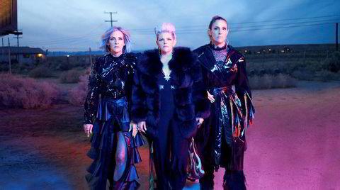 The Chicks returnerer etter 14 år med moden og inspirert poprock med en smak av country på «Gaslighter».