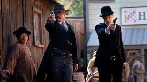 Det gnistrer fortsatt av dialogen i «Deadwood» som nå får en slags avrunding i form av en film.