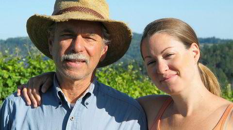 David Hirsch og datteren Jasmine Hirsch driver en av de mest spektakulært beliggende vingårdene i USA.