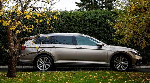 Evolusjonen av Volkswagen Passat fortsetter med et større batteri i den ladbare GTE-modellen.