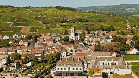 I Burgund er det et lappeteppe av landsbyen og vinmarker. Dette er Pommard som er kjent for sine fantastiske rødviner.