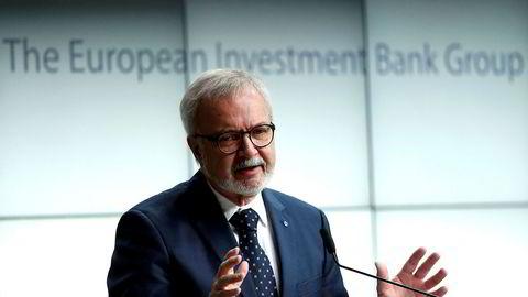 Sjefen for den europeiske investeringsbanken (EIB) Werner Hoyer er skuffet over Volkswagen.
