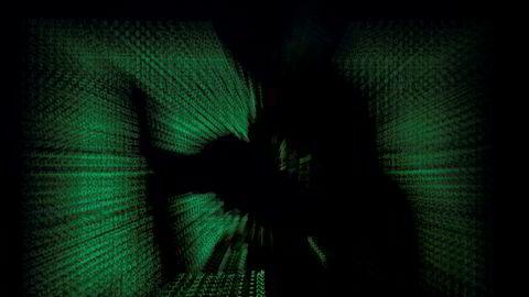 Verdens økonomiske forum har utpekt cyberangrep og cyberkrigføring som en av de største truslene for sammenbrudd i verden over de neste fem årene.