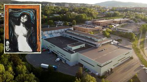 På dette lageret i Groruddalen står det kunst for milliardbeløp. Store norske museer, rike kunstsamlere og Slottet er blant kundene til DHL Exel Fine Art. I flere år har DHL holdt skjult at det har forsvunnet verdifulle litografier av Edvard Munch. Hva som egentlig har foregått på innsiden av dette lageret, er fortsatt et mysterium.