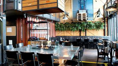 Stilen på Cargo er industriell havnerestaurant, myket opp med sauefeller fra Ikea.