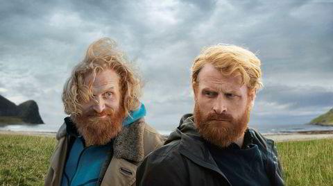 Strålende vakre omgivelser er rammen for et mørkt og helstøpt drama der et uaktsomt drap får ualminnelige konsekvenser. NRKs dramaserie «Twin» er spilt inn i Lofoten. Kristofer Hivju i begge rollene.