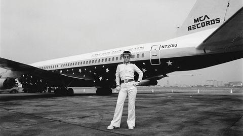 Elton John foran hans private fly, «Starship».